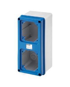 Cassetta industriale da parete con coperchio flangiato predisposto per 2 calotte